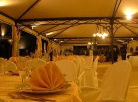 Villa Cannizzo Tavolo allestito