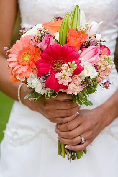 idee per un bouquet da sposa in armonia con lo stile delle nozze. Black Bedroom Furniture Sets. Home Design Ideas